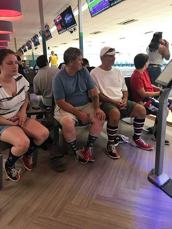 Jacksonville, Carolina del Norte: Bowling with family