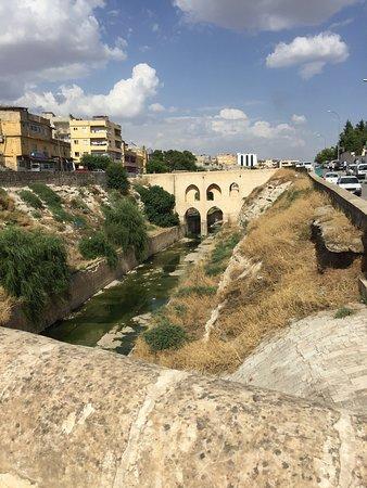 Tarihi Hızmalı Koprusu
