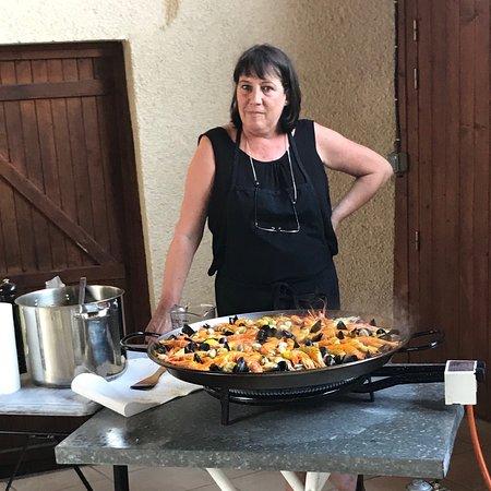 Aux Delice de Fongrave: Paella!