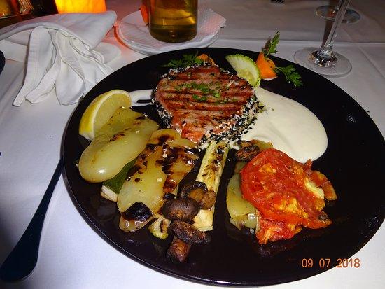 Seget Vranjica, Croacia: Tuna Steak