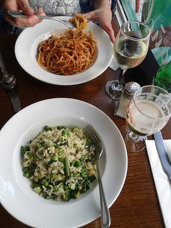 Amarcord Italian Restaurant: arroz hervido con verduras pero te cobran como Risotto, sin queso rallado ni pan