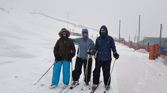 Barkly East, South Africa: Light snow storm during our ski lesson.