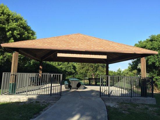 Тавернье, Флорида: The Albury Pavilion