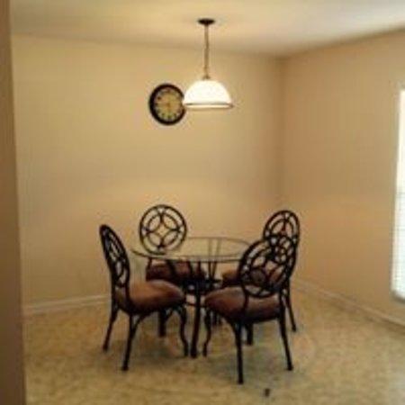 Daleville, AL: Diningroom