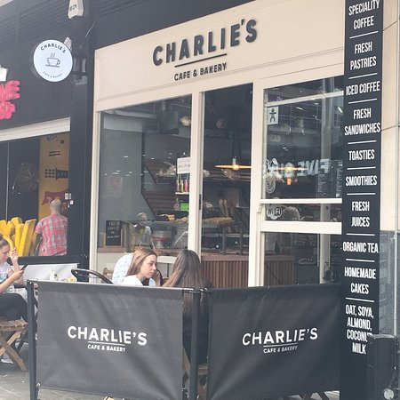 Charlie's Cafe & Bakery