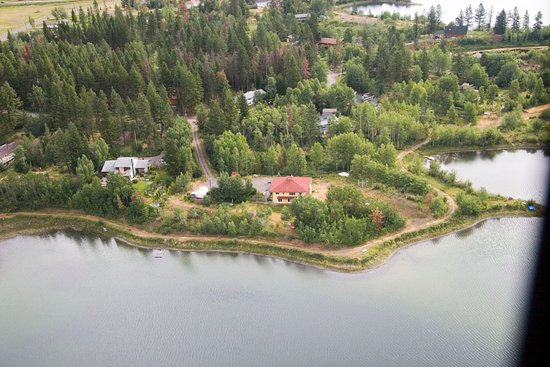 108 Mile Ranch, Canada: Bird's view of Arcona House, taken by US-guests from their Ultra-Light