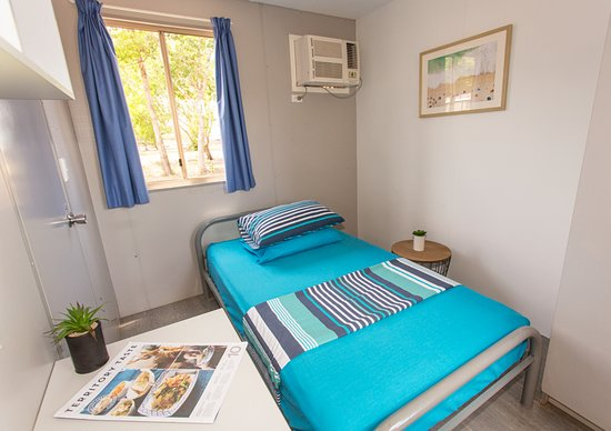 Dundee Beach, Australia: Our ensuited and air-conditioned king single room.