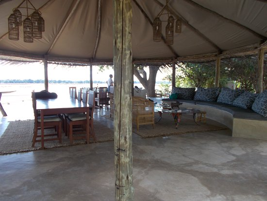 Kafunta River Lodge: Three Rivers lodge overlooking Luangwa River