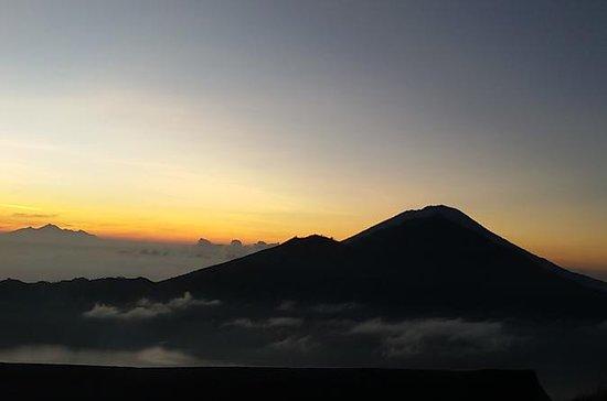Alba di Mt Batur regolare