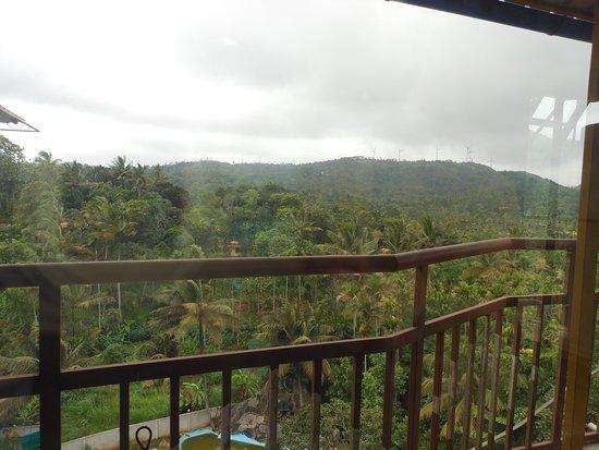 Ramakkalmedu, Indien: view from Suite Room