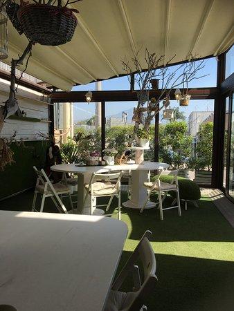 Wood Cafe Image