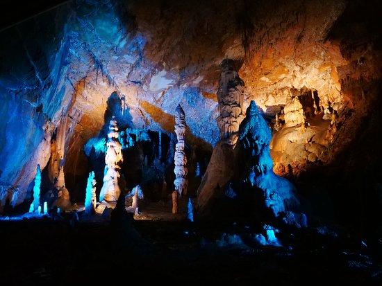 Grotte des Carbonnieres