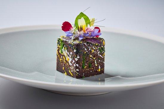 Salabka: chocolate cube