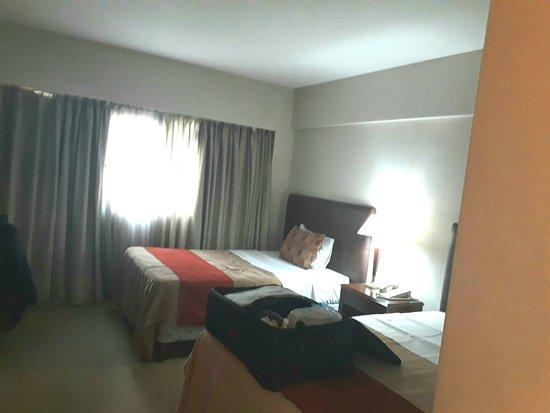 Hotel Reconquista Garden: Todo limpio y ordenado