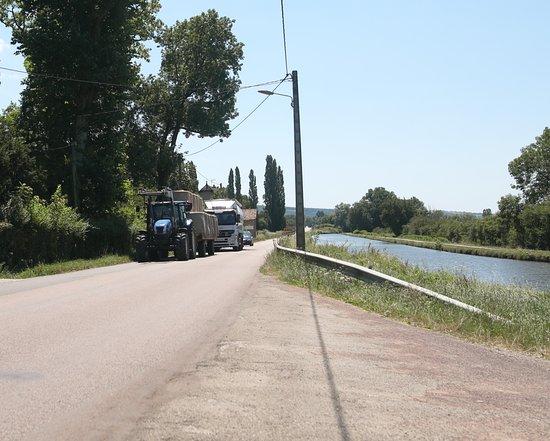 Dennevy est un petit village français, situé dans le département de Saône-et-Loire