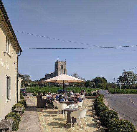 Wiveton, UK: New outside patio area at front of pub