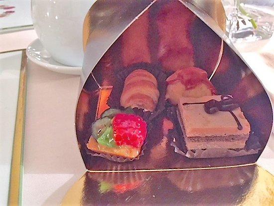 Regina Adelaide Hotel: Take home goodies