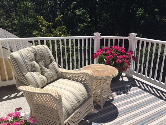 Paeonian Springs, Virginie : Only part of the amazing balcony in our suite
