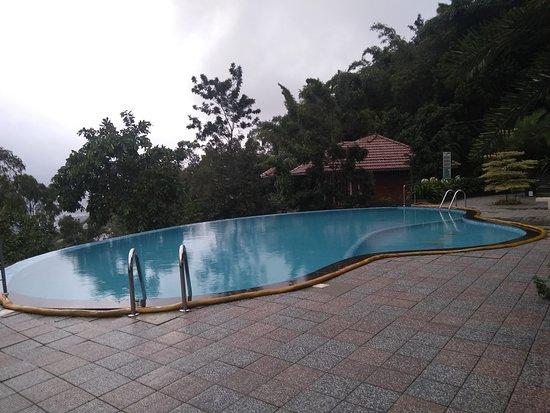 Mount Xanadu Resort: Infinity pool