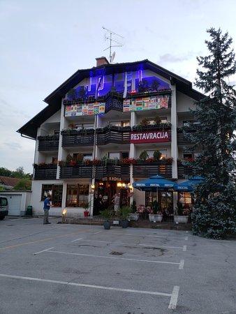 Domzale, سلوفينيا: 20180709_205847_large.jpg