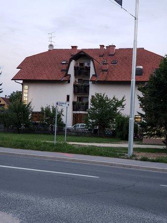 Domzale, سلوفينيا: 20180709_205658_large.jpg