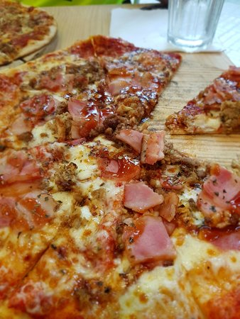Paolos Pizzas