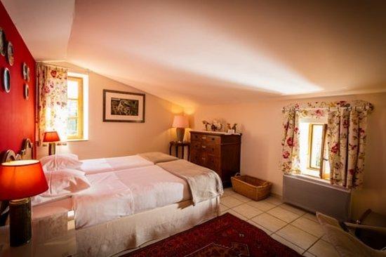Aubussargues, França: La chambre 1 de la suite familiale