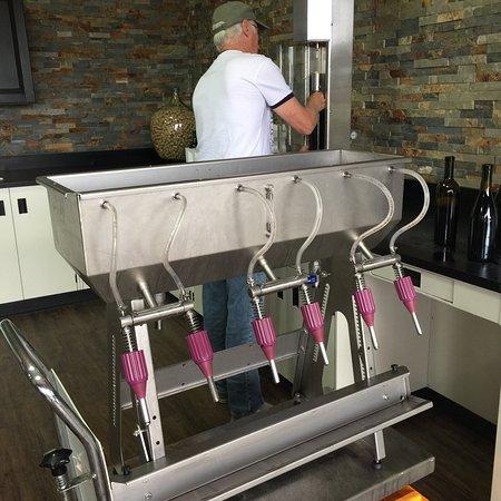 KJ Urban Winery & Craft Brewing Supplies