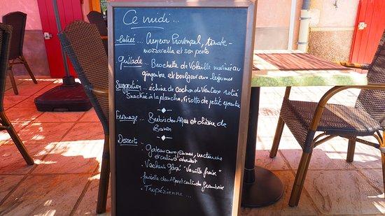 Restaurant la chapeau rouge à Simiane-la-rotonde