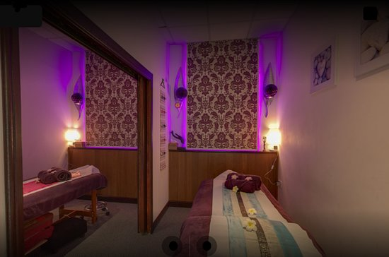 Upton, UK: Massage rtooms ready for a couples massage