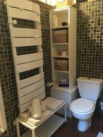 Valros, Frankrijk: salle de bains suite