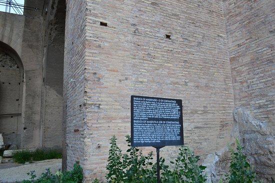 Basilica of Maxentius: A description of the building