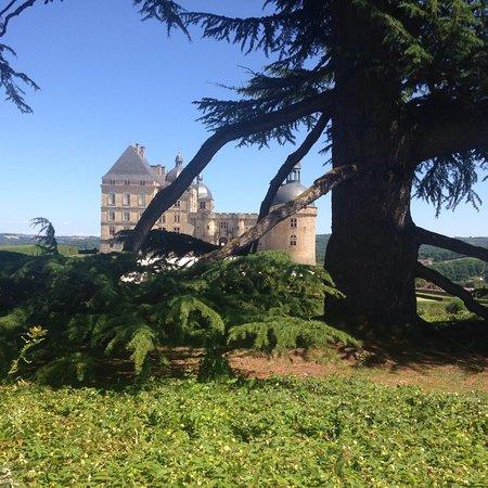 Chateau de Hautefort: photo0.jpg