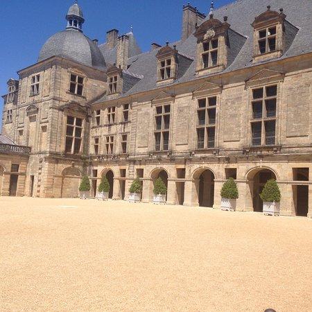 Chateau de Hautefort: photo1.jpg