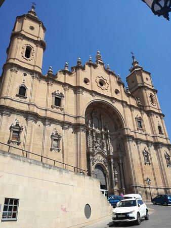 Ex colegiata de Santa Maria la Mayor: Fachada