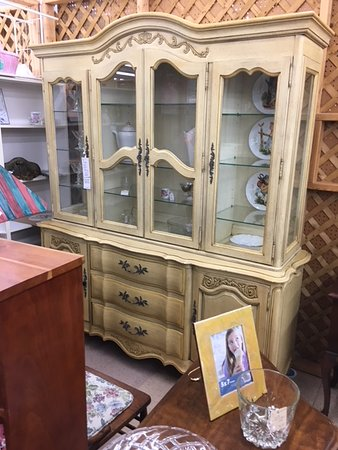 Finderu0027s Keepers Murray, Kentucky: LARGE VINTAGE 2 PIECE CHINA CABINET BY  THE WHITE FURNITURE