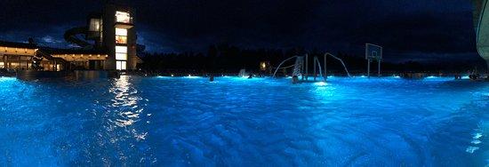 Chochołów, Polska: Outside of Chocholowskie Baths - the water is even warmer than inside!