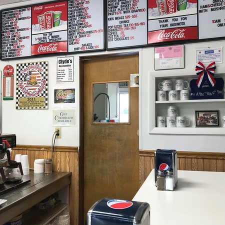 Clydes Drive In Manistique Restaurant Reviews Photos Amp Phone Number Tripadvisor