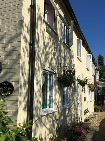 Rowde, UK: The cottage