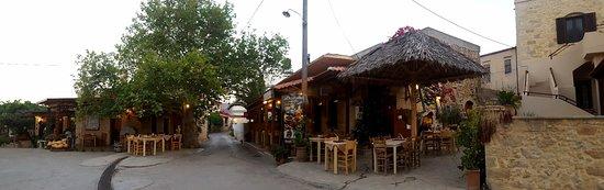 Agarathos: Très bon restaurant