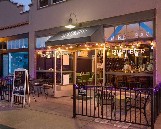 Corte Madera, CA: Outside view of the wine bar