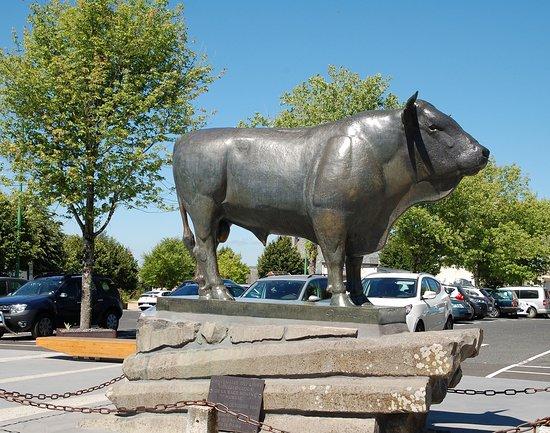 La statue du Taureau