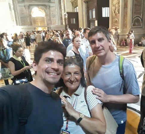 Vatican Highlights Tour - Skip the Line Entry - Small Group of 12: Foto que sacamos al final del recorrido con Alicia! Muchas gracias Alicia!