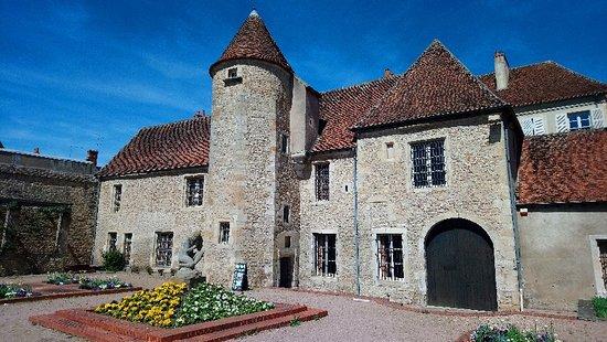 Saint-Amand-Montrond, França: Musée Saint-Vic