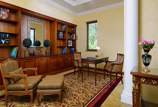 Sheraton Addis, a Luxury Collection Hotel: Guest room