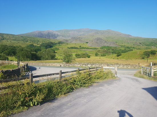 Rhydd Ddu, UK: Views of Snowdon from the Farmhouse