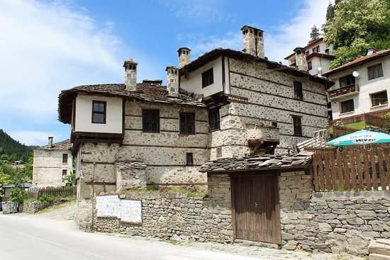 authentic Rhodopean architecture | Shiroka Laka, Bulgaria