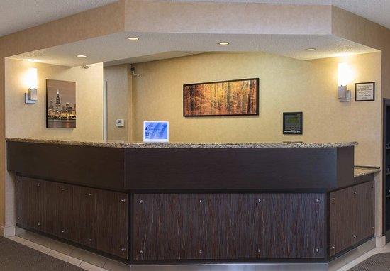 Deerfield, IL: Lobby