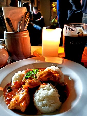 Camp, Irland: Spicy chilli chicken and jasmine rice