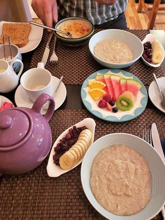 Annascaul, Ирландия: A healthy, hearty breakfast before our hike